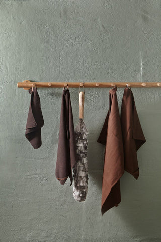 dusting off, duster, organic textile, brown, beautiful wall color