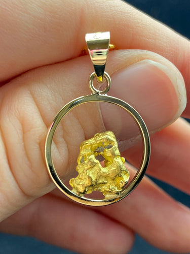 Natural Gold Nugget with 9ct Med Circle Pendant