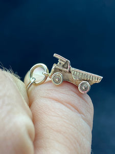 9ct Dump Truck with Natural Gold Nugget