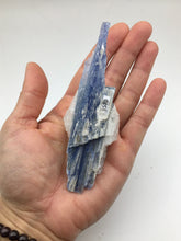 Load image into Gallery viewer, Kyanite and Quartz Brazil