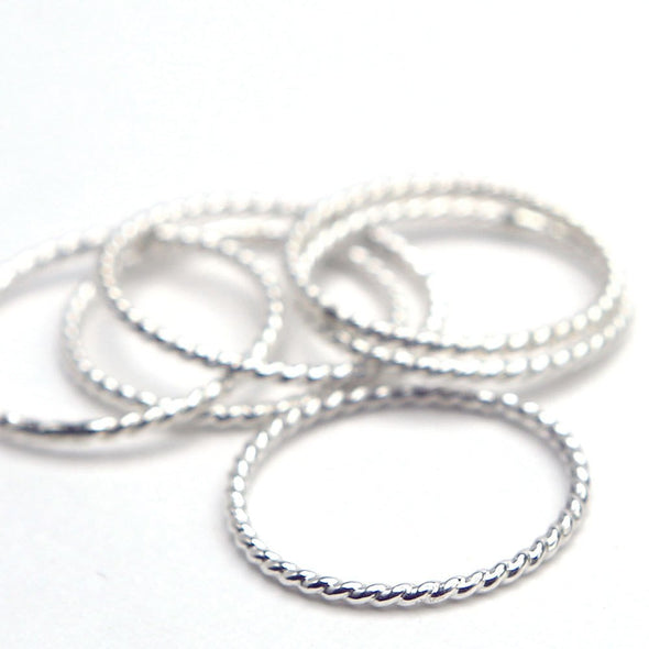 Twist Ring in Sterling Silver - Queens Metal