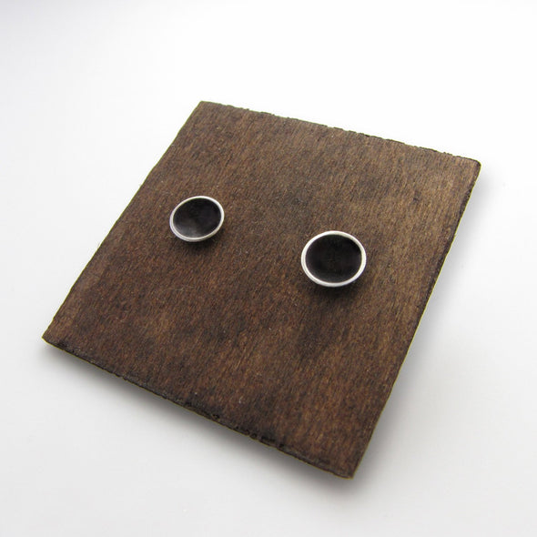 Saucer Studs in Dark Sterling Silver - Queens Metal