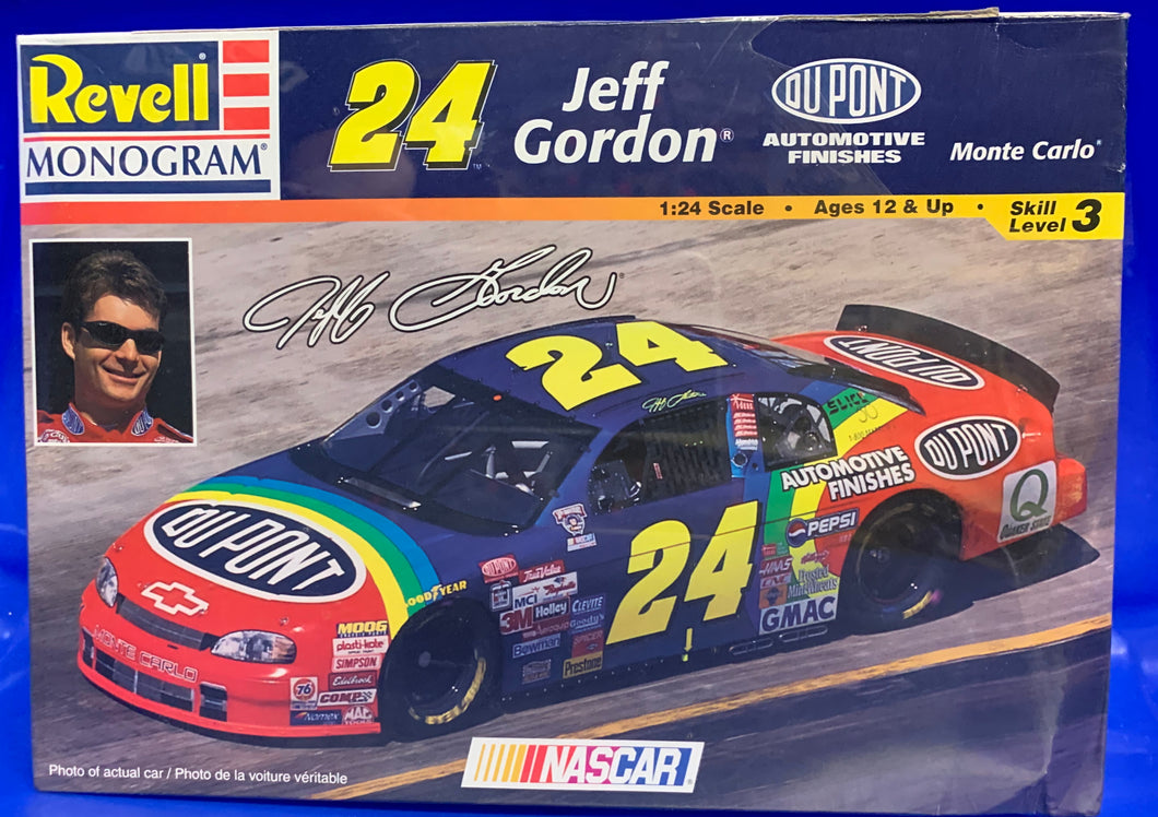 Jeff Gordon's #24 Dupont Monte Carlo 1/24 1997 Issue