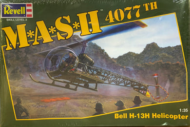 M.A.S.H. 4077th Bell H-13H Helicopter  1/35