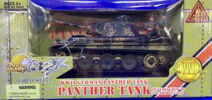 WWII German Panther Tank with 2 action figures 1/32