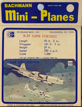 Load image into Gallery viewer, Bachmann Mini Planes #68 B-29 Super Fortress #68 1/380