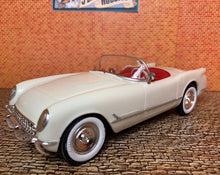 Load image into Gallery viewer, Corvette 1953 Convertible in Polo White 1/25