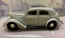 Load image into Gallery viewer, Dinky Item DY5-B 1950 Ford V8 Pilot  1/43