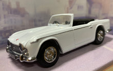Load image into Gallery viewer, Dinky Item DY-20 1965 Triumph TR4A - IRS 1/43