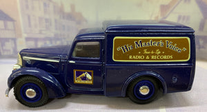 Dinky Item DY8-B 1948 Commer 8 CWT Van  1/43