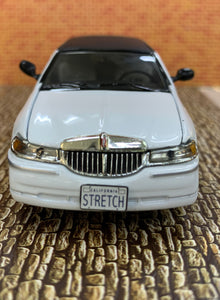 2000 Lincoln Limousine 1/43 Die Cast by Sun Star