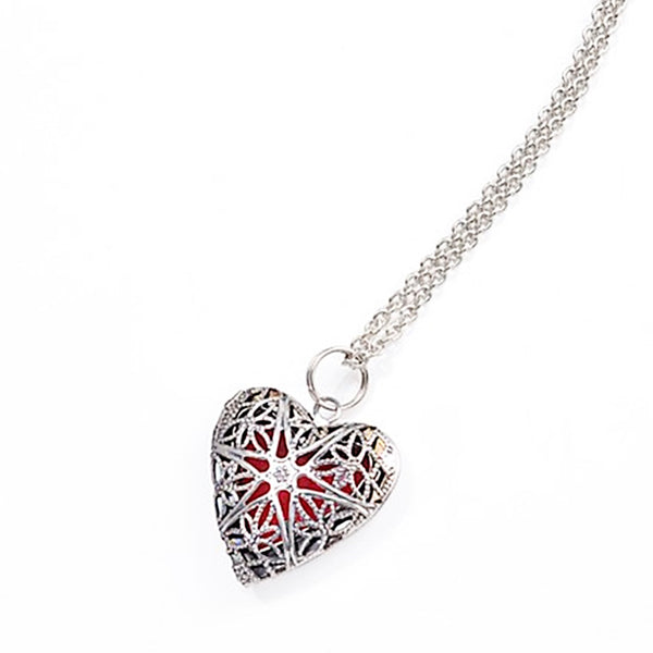 AROMATHERAPY HEART FILIGREE DIFFUSER NECKLACE