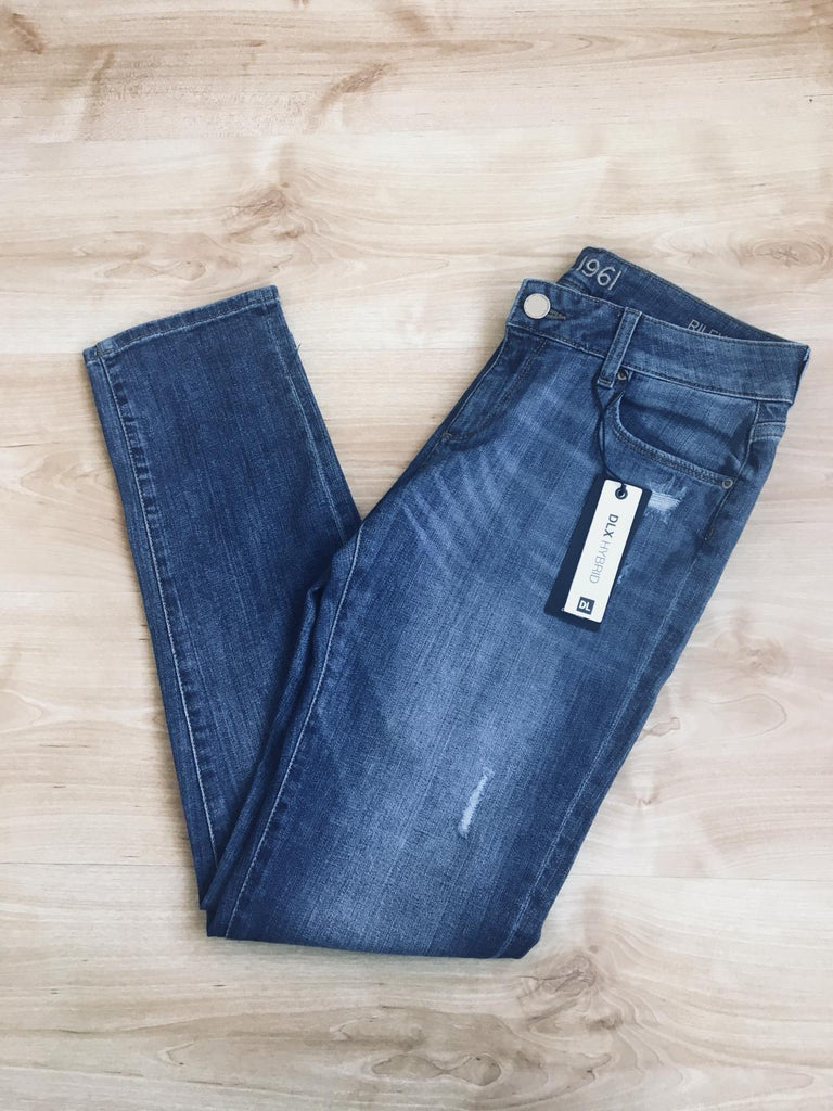 DLX Hybrid Riley Boyfriend Mid Wash Jeans- Size 26L - New With Tags