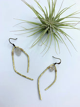 Load image into Gallery viewer, Herkimer Diamond Hammered Earrings