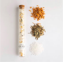 Load image into Gallery viewer, Grapefruit and lemongrass bath soak