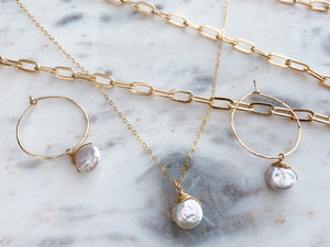 Simple Pearl Coin Necklace