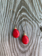 Load image into Gallery viewer, Magnesite Drop Earrings