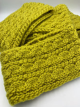 Load image into Gallery viewer, Knit Winter Headband
