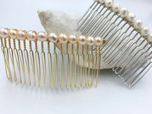 Load image into Gallery viewer, Fresh Water Pearl Hair Comb