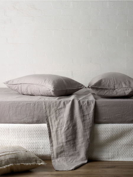 Mondo Linen QB Sheet Set in Smoke Grey