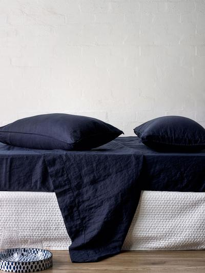 Mondo Linen QB Sheet Set in Navy