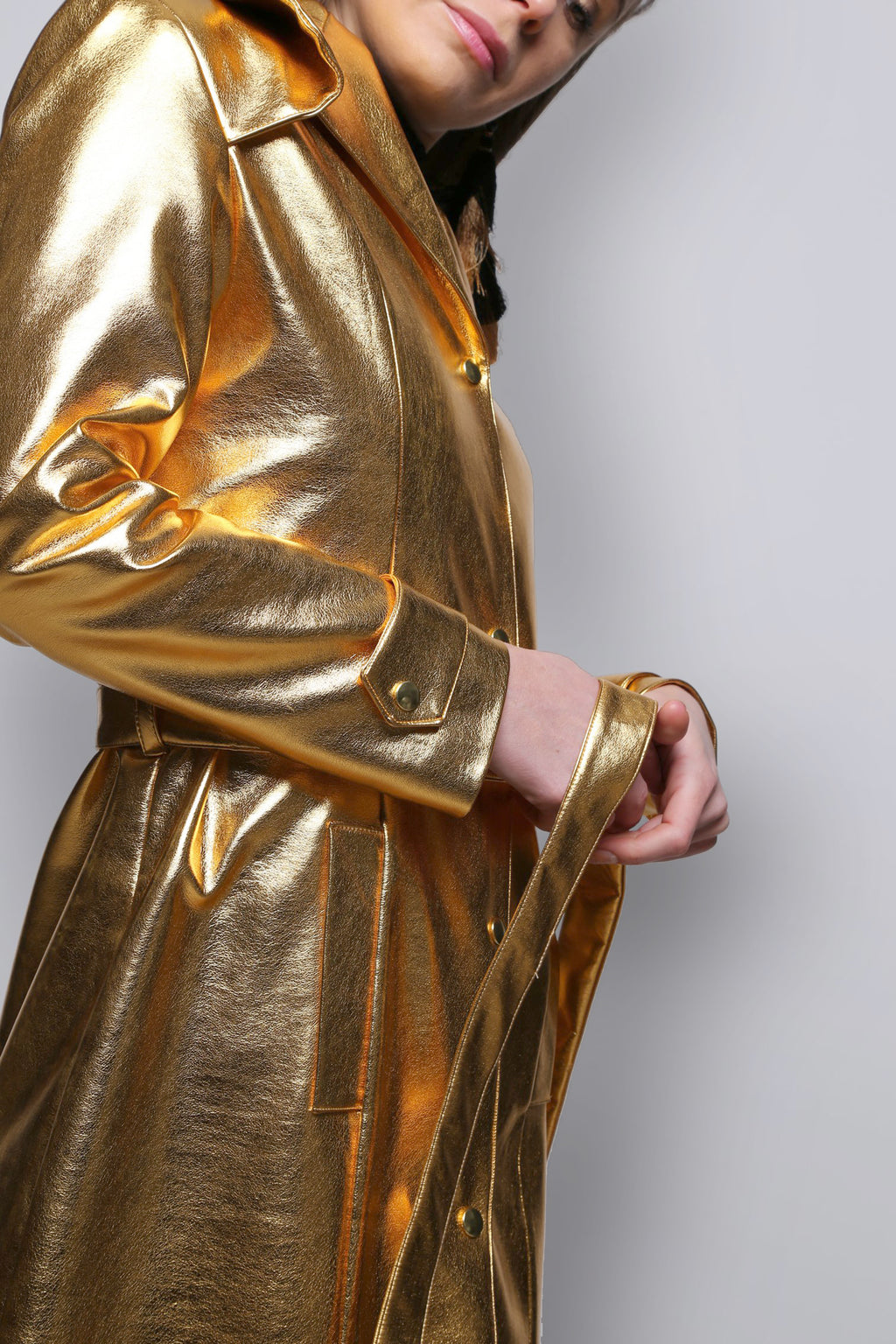 Gecko golden trench coat