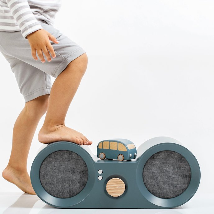 Babbit sustainable wooden hi-fi speaker is durable and kids friendly.