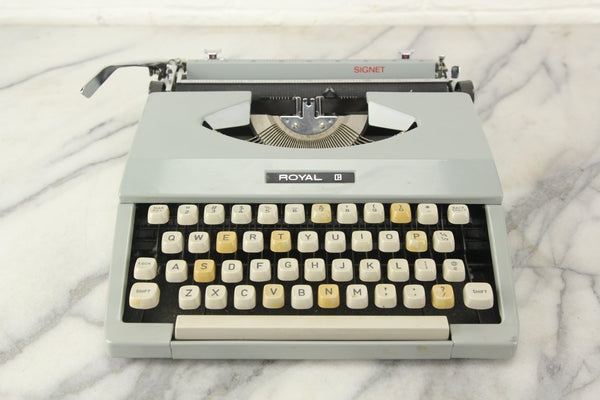 Royal Signet Portable Typewriter with Case, Made in Japan, 1971