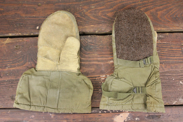 WWII Era Insulated Military Issue Mittens (Air Force or Army), Size Medium, Pair