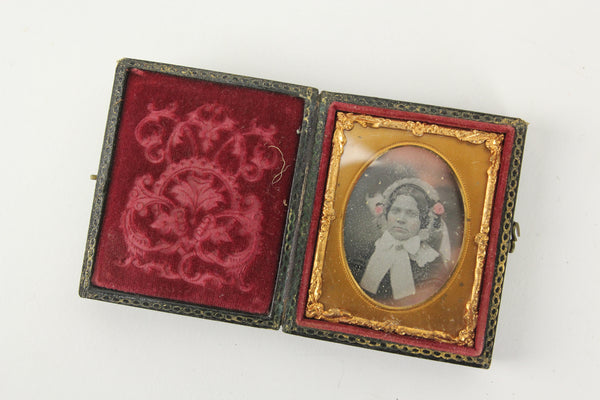 Daguerreortype Photograph of a Young Woman in Full Case (1/9 Plate)