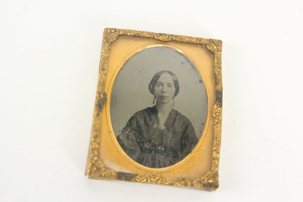 Ambrotype Photograph of a Pretty Young Woman Wearing Earrings (1/9 Plate)