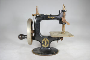 Singer Manufacturing Co. Cast Iron Child's Hand Crank Sewing Machine, Model 20