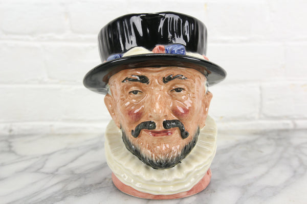 Beefeater Royal Doulton Toby Character Jug D6206, Copyright 1946