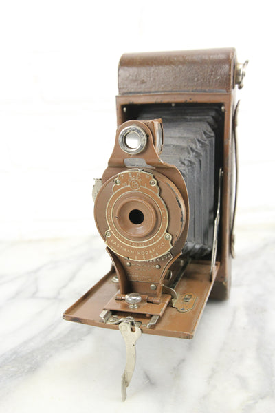 Kodak Rainbow Hawk-Eye No. 2A Folding Model B Camera