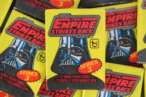 Topps Star Wars The Empire Strikes Back Series 2 Collectible Trading Cards, One Wax Pack, 1980 (Free Shipping)