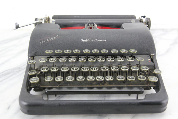 Smith Corona Clipper Portable Typewriter with Case, Made in USA, 1946