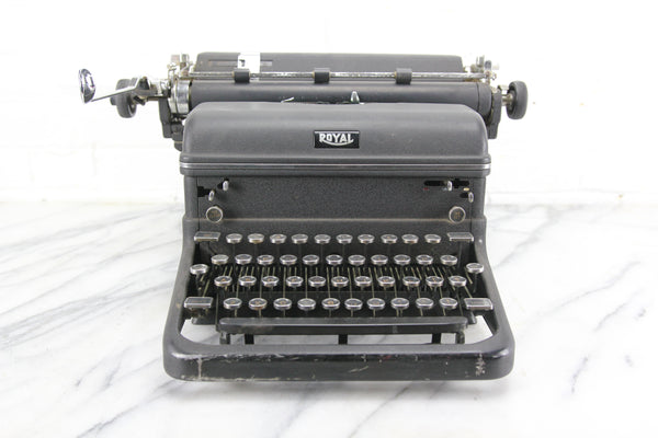 Royal KMM Magic Margin Upright Typewriter, Made in USA, 1940