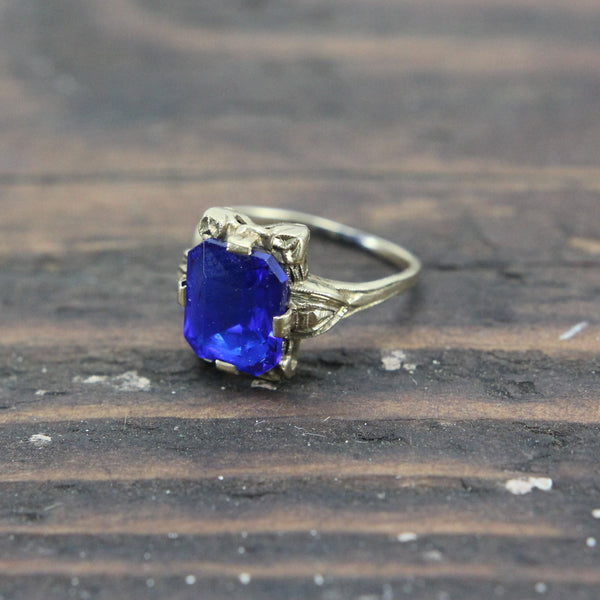 10k Gold Ring with Blue Stone - Size 5.5