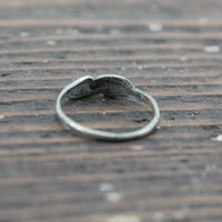 Sterling Silver Ring with Feather-Like Design - Size 5.75