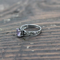 Sterling Silver Ring with Translucent Purple Stone and Leafy Design - Size 6.5