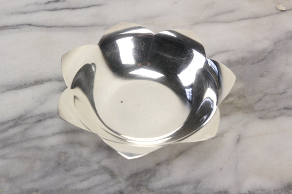Tiffany & Co. Makers Sterling Silver Lotus Bowl - 10.29 Troy Ounces