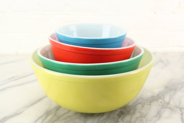 Pyrex Primary Colors Round Graduated Mixing Bowls - Set of Four