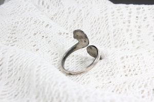 Siam (Thailand) Sterling Silver Ring with Etched Dancing Design, Size 9.5