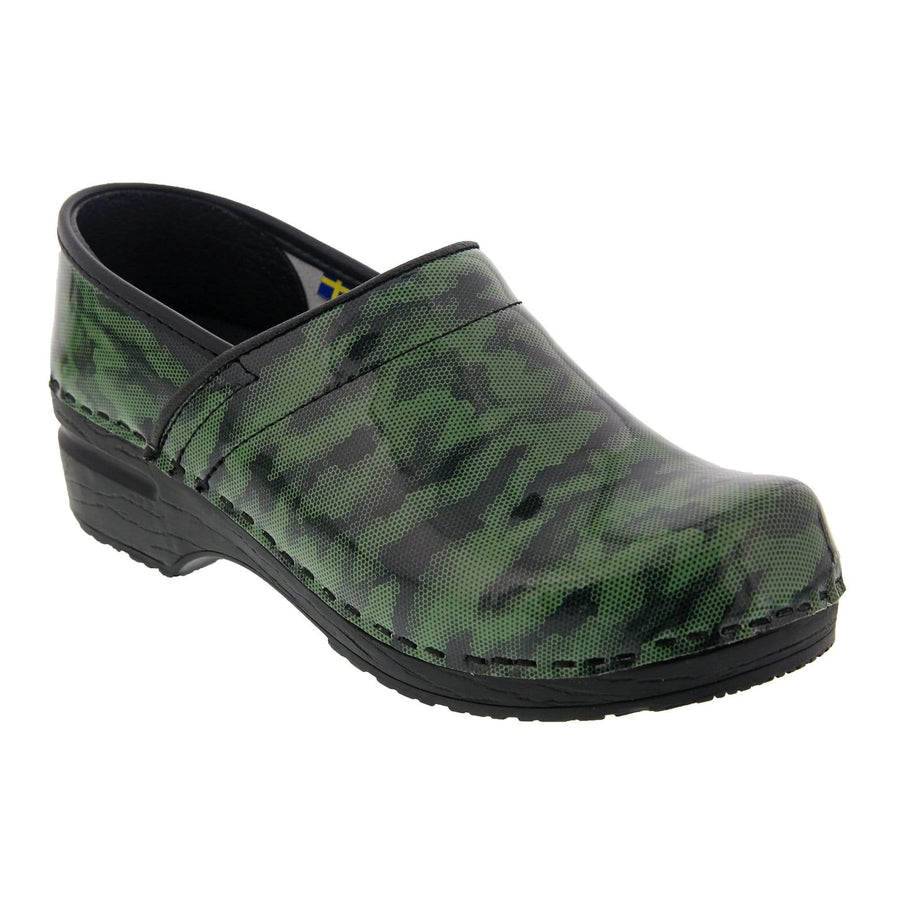 BJORK 757610-25-36 BJORK PROFESSIONAL Camo Patent Leather Clogs Green / EU-36
