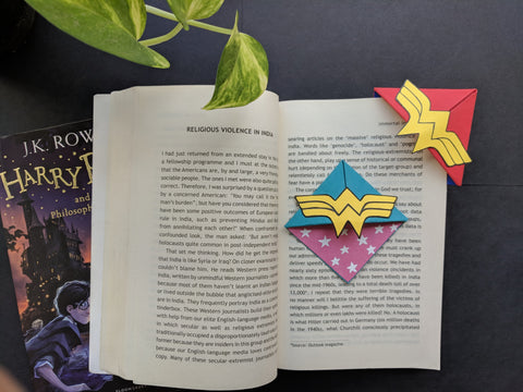 Wonder Woman Corner Bookmark - Set of 2