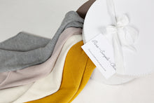 Load image into Gallery viewer, Handmade baby blankets for newborns from pure merino wool by Puresimplechic design