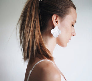 WHITE JAZMÍN earrings - One left!