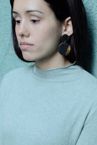 NIZA Black Earrings