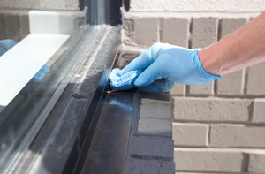 Use AL-NEW, also spelled as 'alnew' to clean aluminum window frames.
