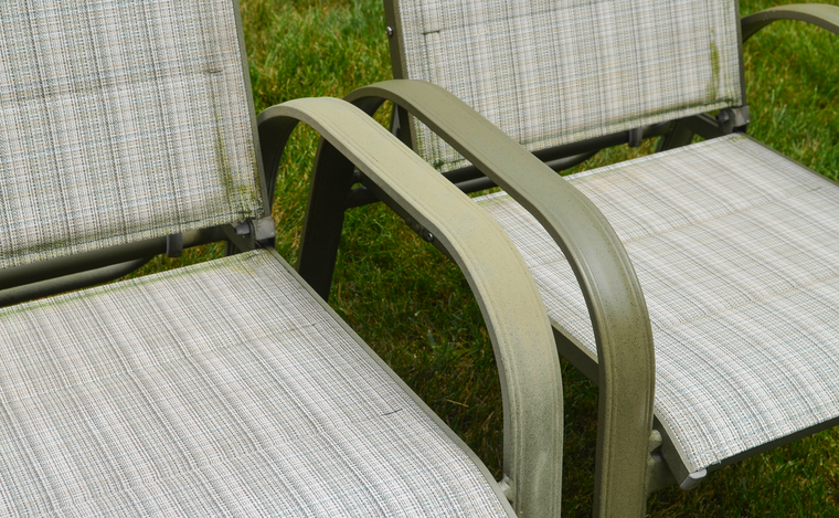 AL NEW is an aluminum restoration solution for patio chairs.